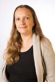Dr Carolyn MacCann