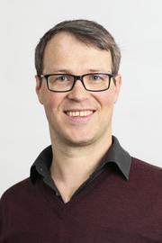 Dr Daniel Hauer