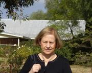 Dr Elizabeth Nolan