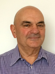 Emeritus Professor Les Copeland