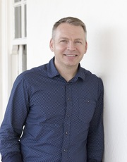 Associate Professor Wojtek Chrzanowski